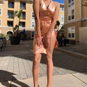 Dresses & Skirts - Silky pink dress
